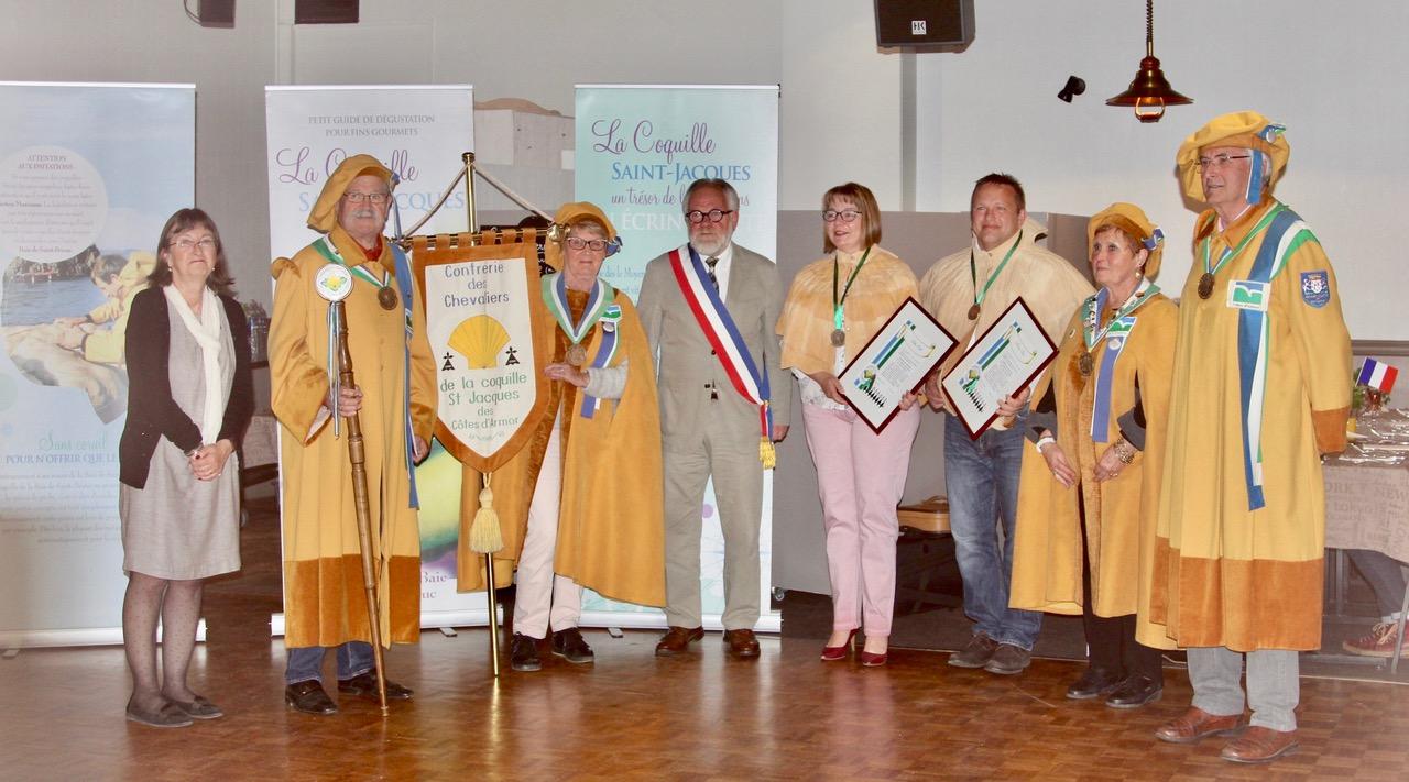 Des nouveaux membres de la Confrérie de la coquille saint jacques